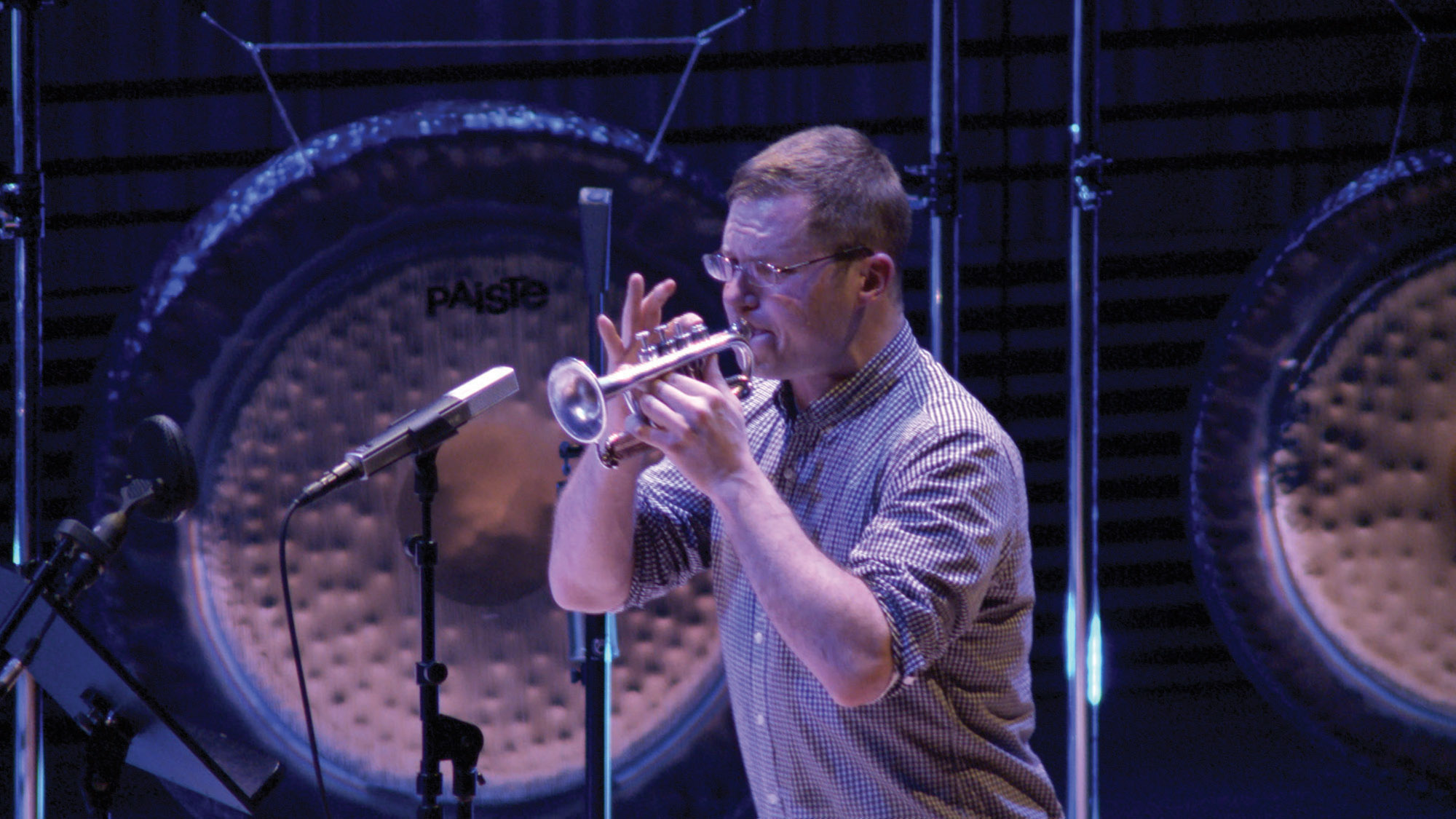 a man playing a soprano trumpet